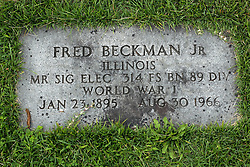 31 August 2017:   Veterans graves in Park Hill Cemetery in eastern McLean County.<br /> <br /> Fred Beckman Jr Illinois Mr SIG Elec 314 FS BN 89 DIV World War I Jan 23 1895 Aug 30 1966
