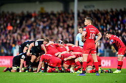 Owen Farrell of Saracens looks on as Exeter Chiefs and Saracens contend in a scrum - Mandatory by-line: Ryan Hiscott/JMP - 22/12/2018 - RUGBY - Sandy Park - Exeter, England - Exeter Chiefs v Saracens - Gallagher Premiership Rugby