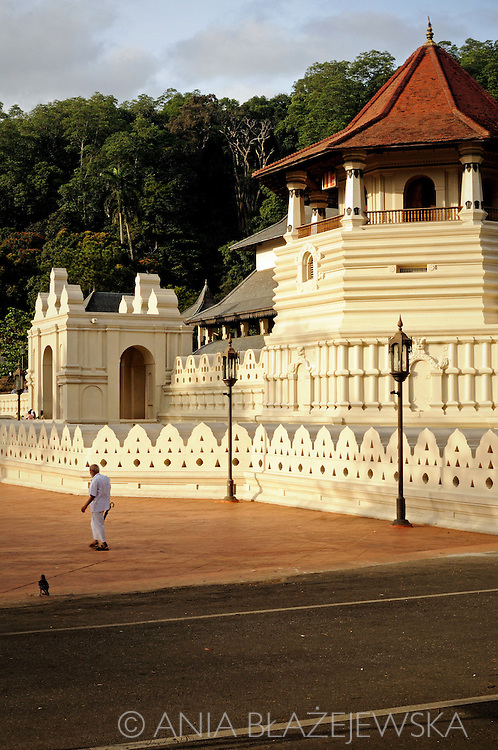 Sri Lanka, Kandy. Temple ot The Sacred Tooth Relic - the most sacred srilankan temple.