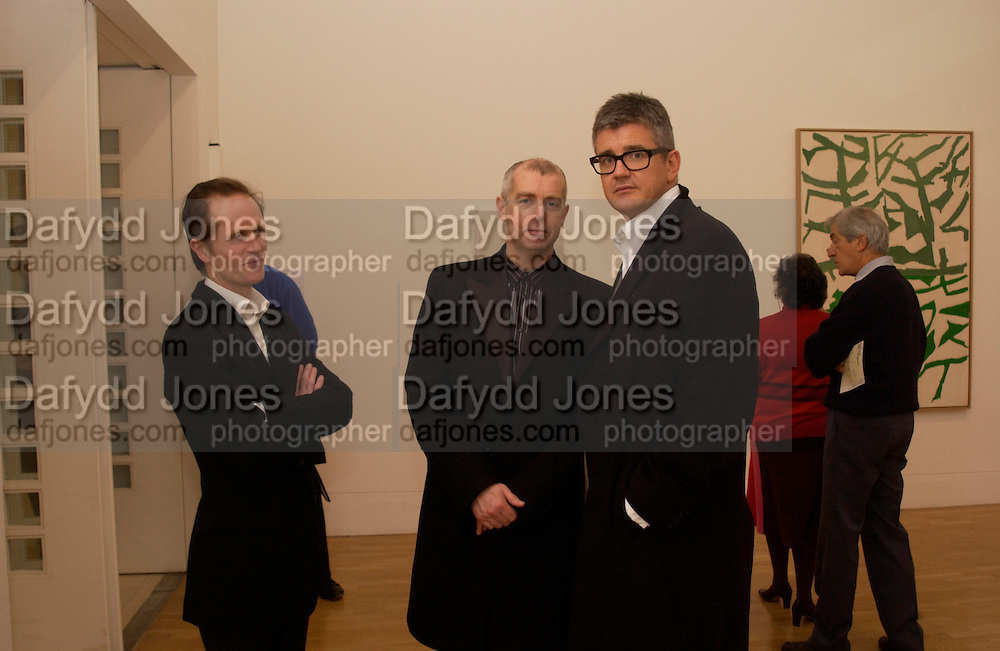 Philip Hoare, Neil Tennant and Jay Jopling, Raol de Keyser and Edge of the Real.- A Painting Show. Whitechapel. 29 March 2004. ONE TIME USE ONLY - DO NOT ARCHIVE  © Copyright Photograph by Dafydd Jones 66 Stockwell Park Rd. London SW9 0DA Tel 020 7733 0108 www.dafjones.com