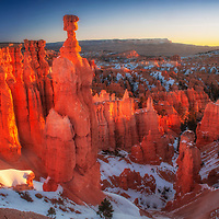 Hoodoos at sunrise in Bryce Canyon National Park, Utah.