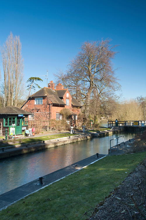 Sonning Lock on the River Thames, Sonning, Berkshire, Uk