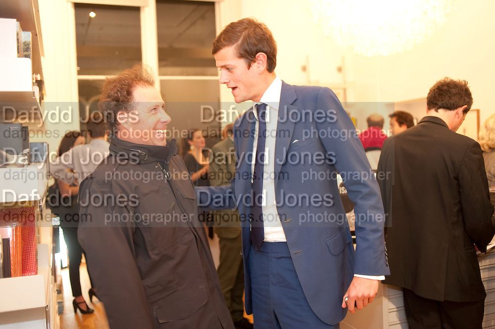 VISCOUNT LINLEY; LORD ALEXANDER SPENCER-CHURCHILL, Isabella Blow  by Martina Rink.  Haunch of Venison. London. 13 September 2010., DO NOT ARCHIVE-© Copyright Photograph by Dafydd Jones. 248 Clapham Rd. London SW9 0PZ. Tel 0207 820 0771. www.dafjones.com.