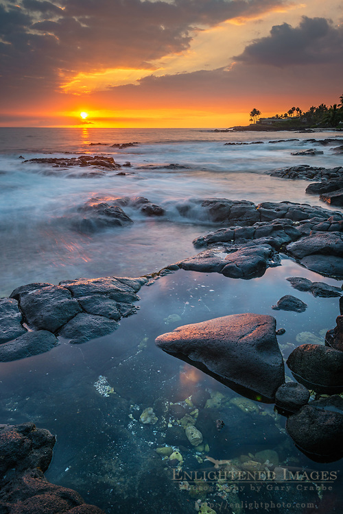 Sunset over the Kona Coast at Holuahoa Bay, Kailua-Kona, Big Island of Hawai'i, Hawaii