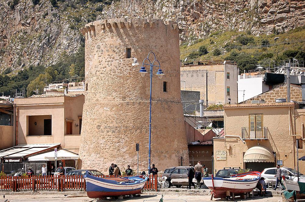 L'antica torre saracena a Mondello, Palermo.<br /> The old Saracen tower in Mondello, Palermo.