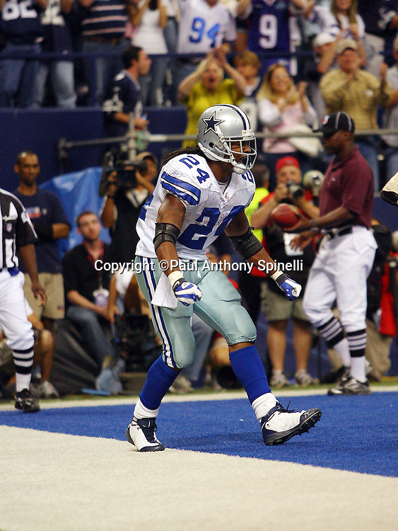 IRVING, TX - SEPTEMBER 15:  Running back Marion Barber of the Dallas Cowboys celebrates after scoring a one yard touchdown run in the fourth quarter to clinch the win over the Philadelphia Eagles at Texas Stadium on September 15, 2008 in Irving, Texas. The Cowboys defeated the Eagles 41-37. ©Paul Anthony Spinelli *** Local Caption *** Marion Barber