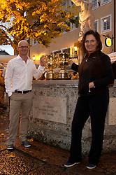 05.10.2010, Golfclub, Zell am See Kaprun, AUT, European Paragolf Championships 2010, im Bild die Europameister Johan Kammerstadt (SWE) und Marieluise Deubl (GER) mit dem Pokal, EXPA Pictures © 2010, PhotoCredit: EXPA/ J. Feichter
