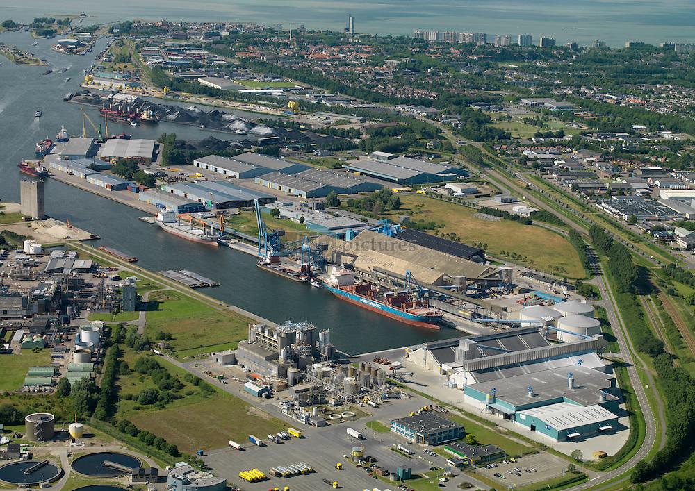 Zevenaarhaven met Verbrugge Terneuzen terminal