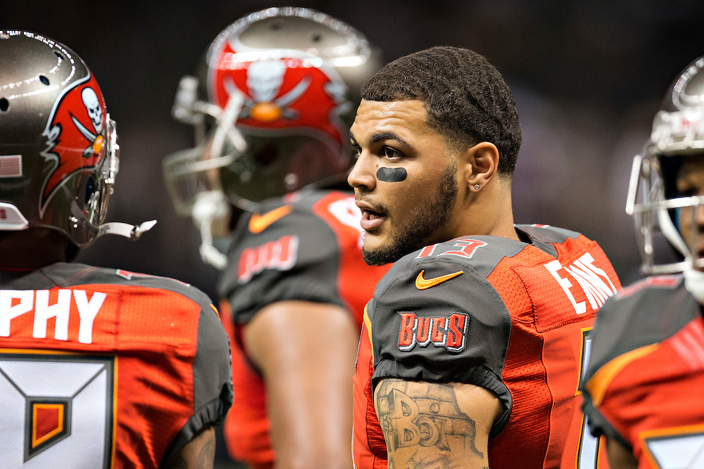 NEW ORLEANS, LA - SEPTEMBER 20:  Mike Evans #13 of the Tampa Bay Buccaneers warming up before a game against the New Orleans Saints at Mercedes-Benz Superdome on September 20, 2015 in New Orleans Louisiana.  The Buccaneers defeated the Saints 26-19.(Photo by Wesley Hitt/Getty Images) *** Local Caption *** Mike Evans