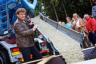 MIERLO - In bospark t Wolfsven komt het nieuwe Heppie Hotel. Rene en Natasja Froger mochten de eerste liters beton storten op de plek waar het nieuwe hotel straks zal komen te staan.