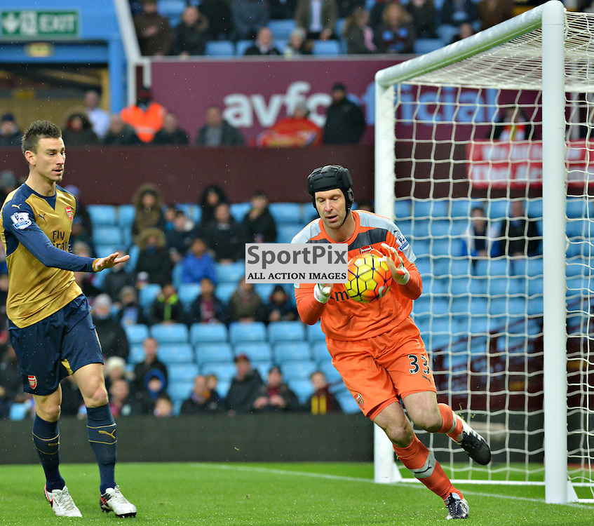 Arsenal's Petr Cech claims the ball as team mate Laurent Koscielny confirms there is no panic......(c) BILLY WHITE   SportPix.org.uk