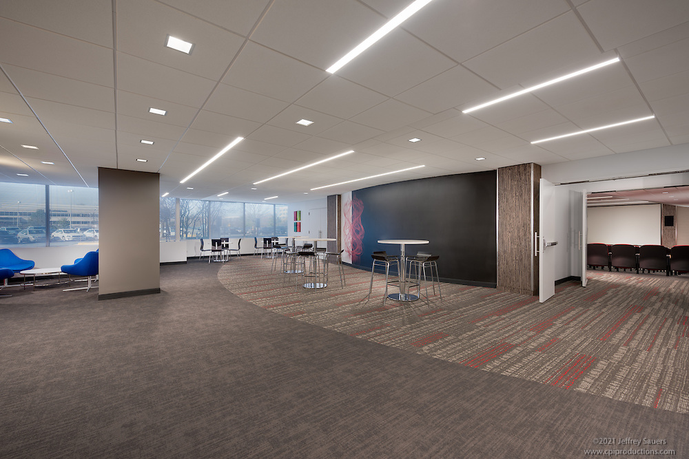 Architectural interior of the Conference Center at Westfields Corporate Center in Chantilly VA by Jeffrey Sauers of Commercial Photographics, Architectural Photo Artistry in Washington DC, Virginia to Florida and PA to New England