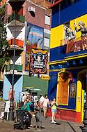 La Bocca area , El caminito.  the Historical tango area ,   Buenos Aires - Argentina  .///.quartier de la Bocca et Le Caminito, cette rue, aujourd hui piétonne, bordee de maisons aux facades de tole ondulee, peintes de couleurs vives, et de fresques.  Buenos Aires - Argentine .///.BUAIR003