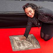 NLD/Utrecht/20180928 - Onthulling Gouden Tegels NFF, Nora El Koussour onthult haar gouden tegel