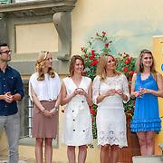 ITA/Lucca /20130521 - Presenttie Cast film De Toscaanse Bruiloft, Jan Kooijman, Carolien Spoor, Sophie van Oers, Lieke van Lexmond, Medi Broekman