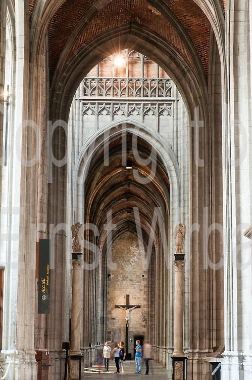 Stiftskirche St. Waltrudis, Inneres, Mons, Hennegau, Wallonie, Belgien, Europa   interior of abbey church Saint Waltrude, Mons, Hennegau, Wallonie, Belgium, Europe