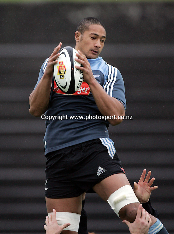 All Black lock Mose Tuiali'i practices his line out skills during the All Blacks session at Trusts Stadium, Waitakere, Auckland, Tuesday 5 July,2005. Photo:Andrew Cornaga/PHOTOSPORT<br />