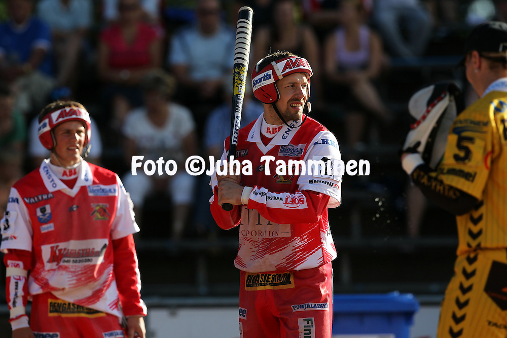 20.07.2010, Pihkala, Hyvink??..Superpesis 2010, Hyvink??n Tahko - Koskenkorvan Urheilijat..Janne Rauhala - Koskenkorva.©Juha Tamminen.