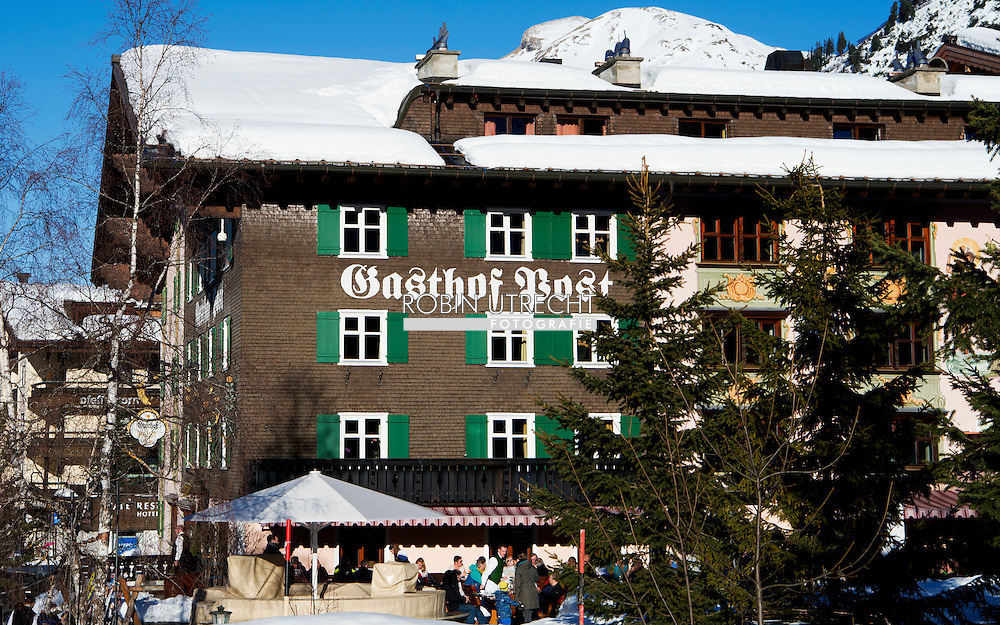 LECH- Gasthof Post waar de koninlijke familie logeert tijdens hun wintersport vakantie in het Oostenrijkse lech. Maandag beginnen ze aan hun vakantie. <br /> 22-2-2015 LECH - AUSTRIA - King Willem-Alexander, Queen Maxima, Princess Amalia, Princess Alexia, Princess Ariane and Princess Beatrix and prinses Laurentien and prince Constantijn and their children Countess Eloise, Count Claus-Casimir and Countess Leonore of The Netherlands during their wintersport holidays in Lech am Arlberg, Austria, 22 February 2016. COPYRIGHT ROBIN UTRECHT moosbrugger<br /> 22-2-2015 LECH - OOSTENRIJK - Koning Willem-Alexander, Koningin Maxima, Prinses Amalia, Prinses Alexia, Prinses Ariane en prinses Beatrice en prinses Laurentien en prins Constantijn en hun kinderen Gravin Eloise, Graaf Claus-Casimir en Gravin Leonore van fotosessie tijdens hun wintersport vakantie in Lech am Arlberg, Oostenrijk, 22 februari 2016. fotosessie photosession lech oostenrijk austria am arlberg sneeuw snow holiday holidays vakantie wintersport princess prinses amalia alexia ariane queen koningin maxima king koning willem alexander willem-alexander beatrix princess prinses laurentien gravin countess count graaf claus casimir eloise leonore COPYRIGHT ROBIN UTRECHT