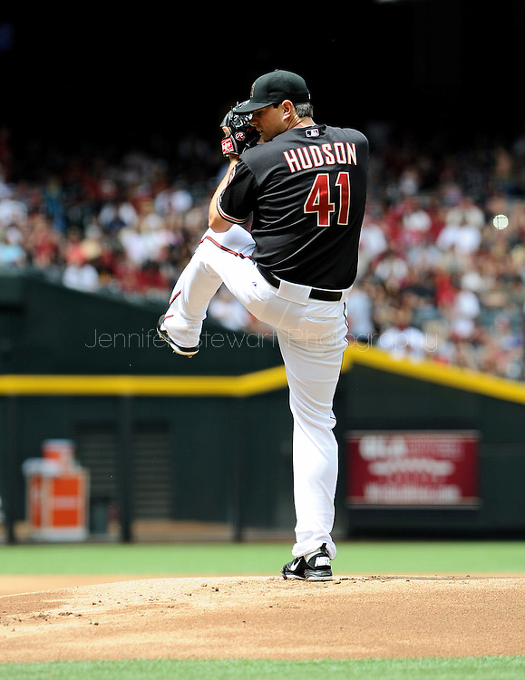 Apr. 7, 2012; Phoenix, AZ, USA; Arizona Diamondbacks pitcher Daniel Hudson (41) pitches against the San Francisco Giants at Chase Field.  The Diamondbacks defeated the Giants 5-4. Mandatory Credit: Jennifer Stewart-US PRESSWIRE..