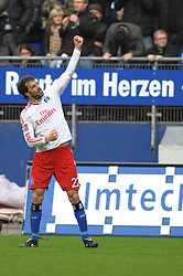 21-03-2010 VOETBAL: HSV - SCHALKE 04: HAMBURG<br /> Ruud van Nistelrooy scoort de 1-0<br /> ©2010- FRH-nph / Witke