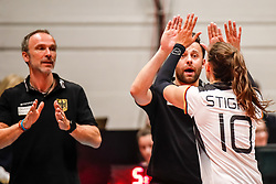 16.05.2019, Montreux, SUI, Montreux Volley Masters 2019, Deutschland vs Polen, im Bild Nicki Neubauer (Germany Headcoach) and Lena Stigrot (Germany #10) after the match (left: Andreas Vollmer (Germany Assistant Coach) // during the Montreux Volley Masters match between Germany and Poland in Montreux, Switzerland on 2019/05/16. EXPA Pictures © 2019, PhotoCredit: EXPA/ Eibner-Pressefoto/ beautiful sports/Schiller<br /> <br /> *****ATTENTION - OUT of GER*****
