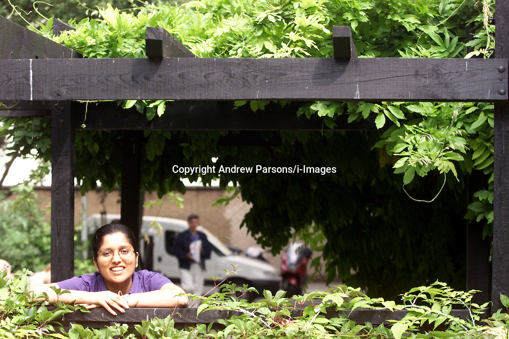 Study on Sonia Panchal r/e Woolwich shares..Photo by Andrew Parsons/i-Images.All Rights Reserved ©Andrew Parsons/i-images.See Instructions.