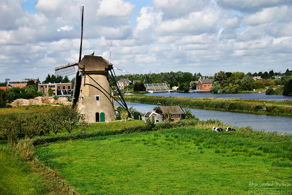 Traditional Dutch Windmills at UNESCO World Heritage site, Kinderdijk, The Netherlands.
