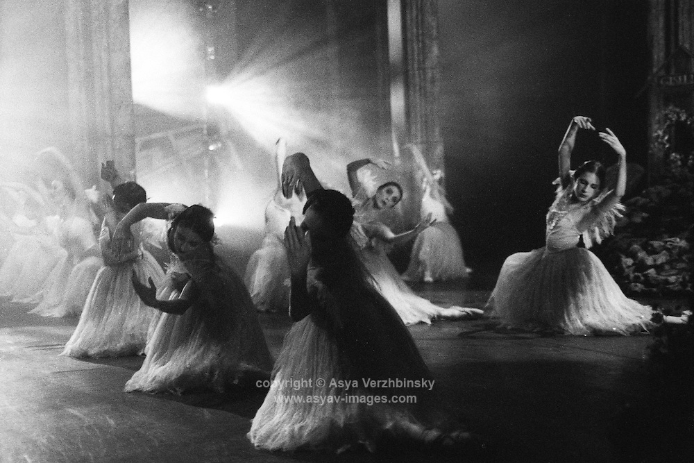 Birmingham Royal Ballet (BRB) corps wilis in Galina Samsova's Giselle, Act II. Music: Adolphe Adam.