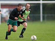 FODBOLD: Nicolai Wisborg Andersen (Fredensborg) rykker fra Mads Rud Larsen (Taastrup FC) og scorer til 1-2 under kampen i Danmarksserien mellem Taastrup FC og Fredensborg BI den 9. september 2017 i Taastrup Idrætspark. Foto: Claus Birch