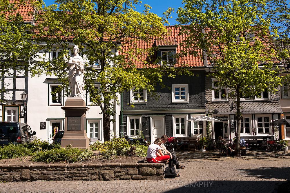 DEU, Germany, Ruhr Area, Hattingen, the Hattingia statue at the church square in the old part of the town.<br /> <br /> DEU, Deutschland, Ruhrgebiet, Hattingen, die Statue Hattingia auf dem Kirchplatz in der Altstadt.