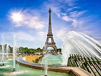 Mit etwas Glück kann man zu den Wasserspielen auch die großen Wasserkanonen (über 50 Meter Wasserstrahl in Richtung Eiffelturm) in Aktion erleben, denn sie werden nur zu bestimmten Zeiten betrieben. Zwanzig Wasserkanonen schießen dann höchst eindrucksvoll gewaltige Wasserstrahlen in das langgestreckte Becken.