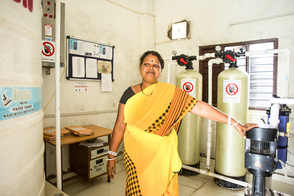 CAPTION: The RO plant was designed keeping community needs in mind. About 200 households use the water for drinking and cooking; disease incidence has since seen a sharp fall. LOCATION: Rahul Gandhi Nagar, Indore, Madhya Pradesh, India. INDIVIDUAL(S) PHOTOGRAPHED: Sarita Yadav.