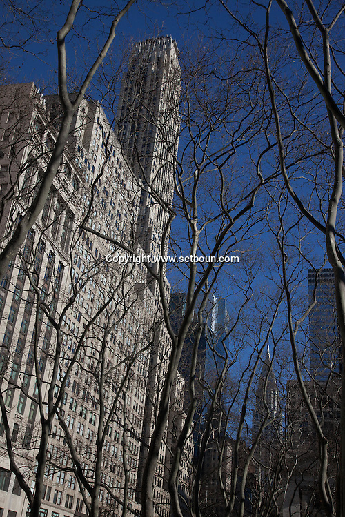 New York. Bryant park. and  42nd street buildings
