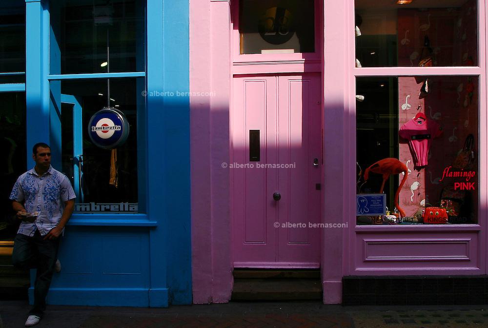 England, London: shopwindows