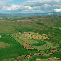 Geirshlíð, eyðijörðin Geirskot ofar í hlíðinni,i Flókadalur, Reykholtsdalshreppur /.Geirshlid, remote farmsite Geirskot slightly upp in the hillside, Flokadalur, Reykholtsdalshreppur