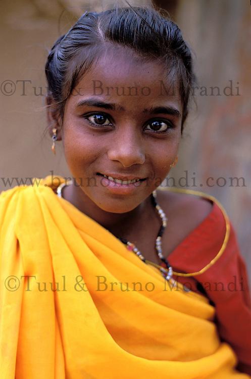 Inde - Rajasthan - Region de Jalor - Jeune femme rajpute