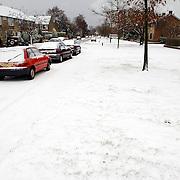 NLD/Huizen/20060301 - Schaarweg Huizen besneeuwd, sneeuw, winter, kou, wit, weg,