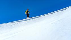 THEMENBILD - Skibergsteiger am Kamm während einer Skitour zum Kals Matreier Törl. Kals am Großglockner, Österreich am Donnerstag, 8. März 2018 // Ski mountaineer on the ridge during a ski tour to the Kals Matreier Toerl Thursday, March 8, 2018 in Kals am Grossglockner, Austria. EXPA Pictures © 2018, PhotoCredit: EXPA/ Johann Groder