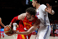 10.09.2014, Palacio de los deportes, Madrid, ESP, FIBA WM, Frankreich vs Spanien, Viertelfinale, im Bild Spain&acute;s Pau Gasol (L) and France&acute;s Jackson // during FIBA Basketball World Cup Spain 2014 Quarter-Final match between France and Spain at the Palacio de los deportes in Madrid, Spain on 2014/09/10. EXPA Pictures &copy; 2014, PhotoCredit: EXPA/ Alterphotos/ Victor Blanco<br /> <br /> *****ATTENTION - OUT of ESP, SUI*****