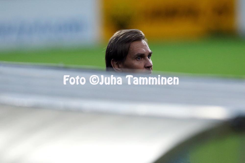 3.9.2015, Tehtaan kentt&auml;, Valkeakoski.<br /> Ykk&ouml;nen 2015.<br /> FC Haka - PK-35 Vantaa.<br /> Valmentaja Kari Martonen - Haka