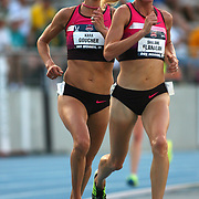 FLANAGAN-GOUCHER -13USA, Des Moines, Ia. - Early in the 10,000, Kara Goucher clung to the pace of Shalane Flanagan.  Photo by David Peterson