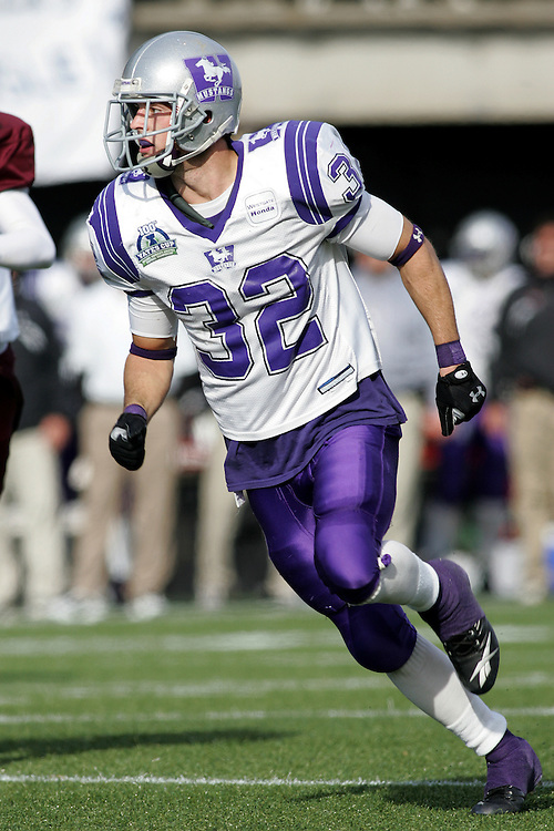 (3 November 2007 -- Ottawa) The University of Western Ontario Mustangs defeating the University of Ottawa Gee Gees lost to 16-23 in OUA football semi-final action in Ottawa. The University of Western Ontario Mustangs player pictured in action is Andrew Bain