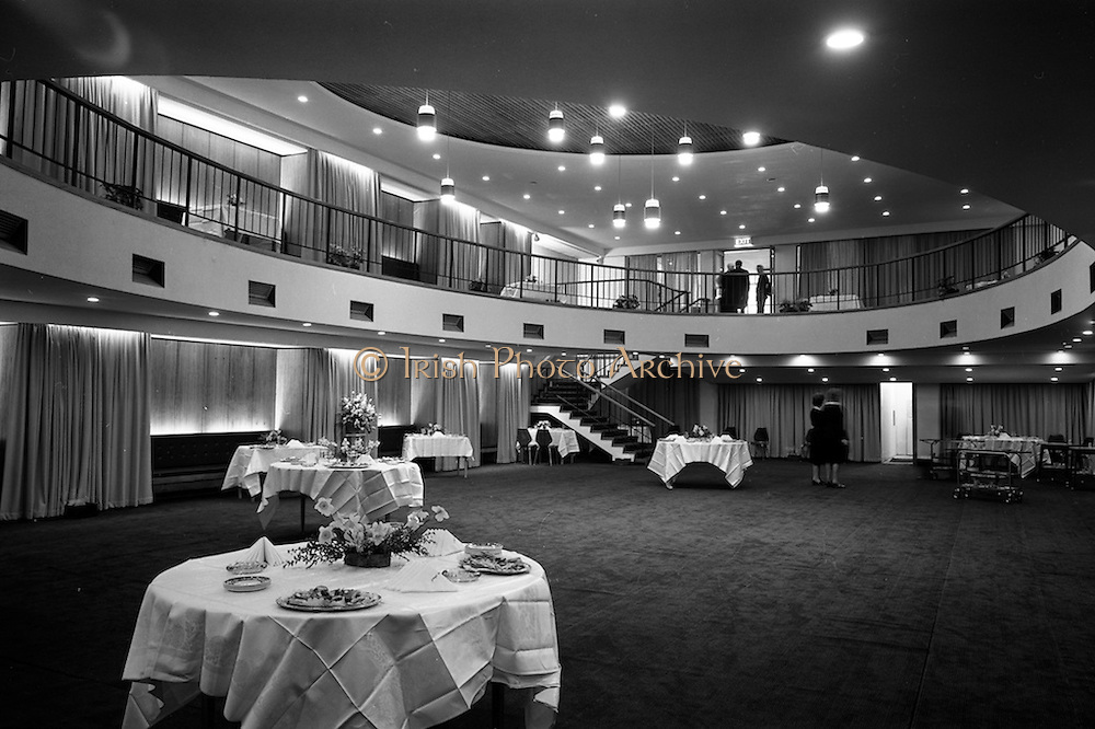 28/04/1964<br /> 04/28/1964<br /> 28 April 1964<br /> Opening of Jury's Hotel new ballroom. A view of the newly opened Ballroom at Jury's Hotel, Dublin.