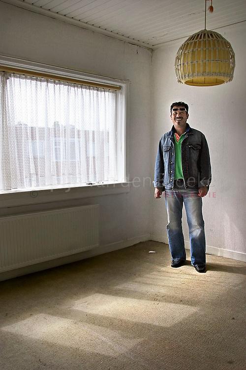 Nederland, Groningen, 2004-07-21 . Wim Bulten, kamerverhuurder.foto: Pepijn van den Broeke