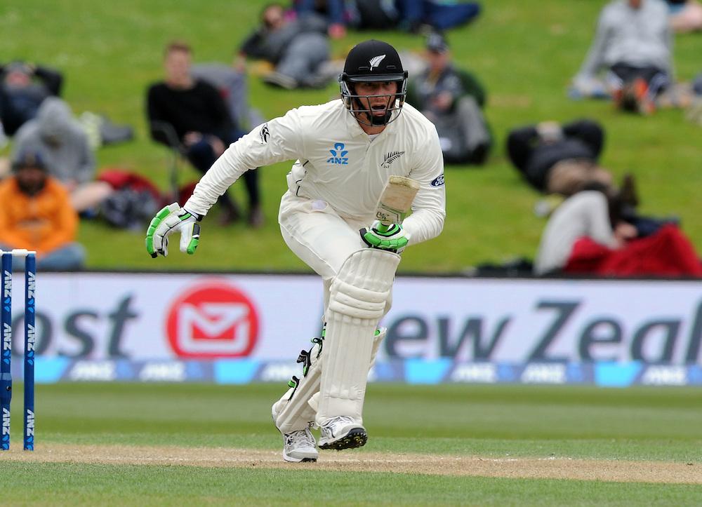 New Zealand's Martin Guptill against Sri Lanka on day three of the first International Cricket Test, University Cricket Oval, Dunedin, New Zealand, Saturday, December 12, 2015. Credit:SNPA / Ross Setford