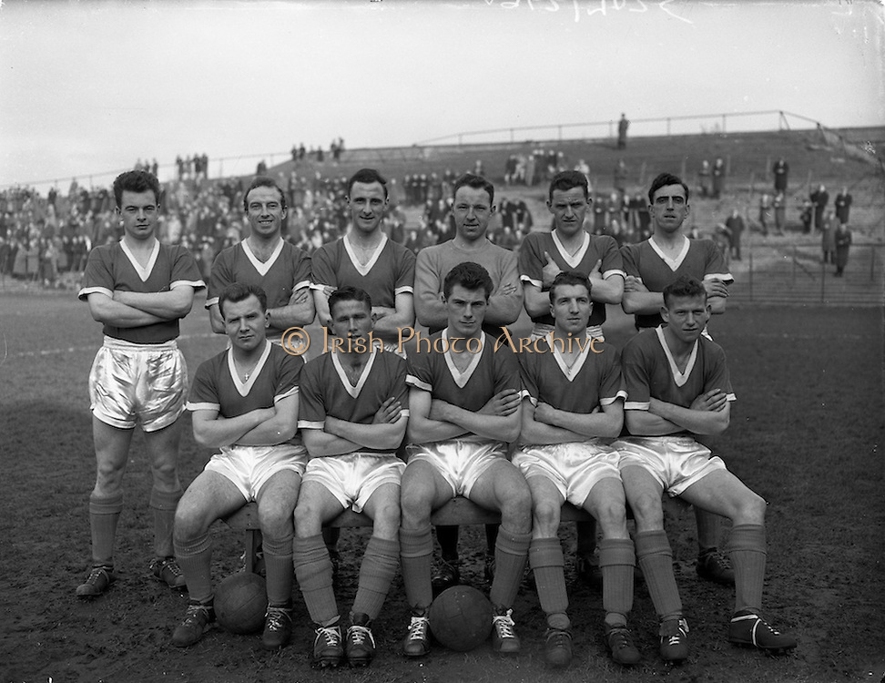 08/03/1959<br /> 03/08/1959<br /> 08 March 1959<br /> Soccer: Bohemians v Cork Hibernians, second round of F.A.I. Cup at Dalymount Park, Dublin. The Cork Hibs team.