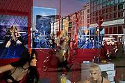 Berlino, Charlottenburg: Erotik Museum windows