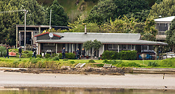 """Reporters and photographers approach the Family home of New Zealand First Leader Winston Peters at Whananaki, Northland, New Zealand. Monday September 25, 2017.  Credit: SNPA / Malcolm Pullman """"NO ARCHIVING"""""""
