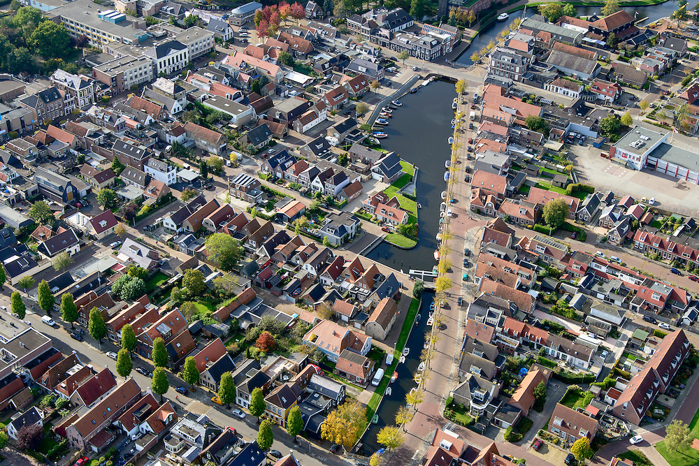 Nederland, Friesland, Gemeente De Friese Meren, 10-10-2014; Joure, stadsgracht Het Zand.<br /> Town centre with historical canal.<br /> luchtfoto (toeslag op standard tarieven);<br /> aerial photo (additional fee required);<br /> copyright foto/photo Siebe Swart